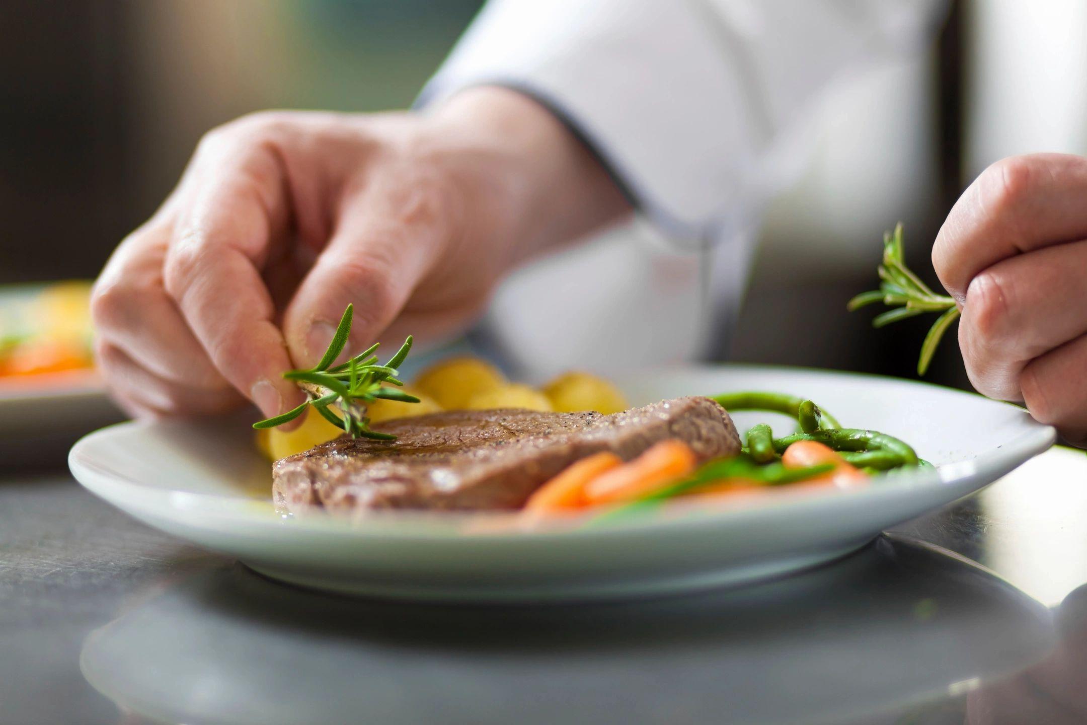 「食力」植物肉比真肉營養嗎?小心掉入這4個迷思!