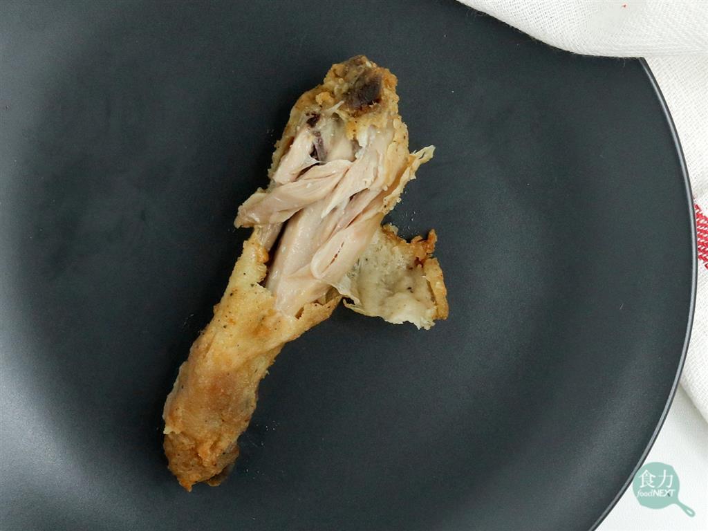 「食力」肉呈現粉紅色就是沒熟?耐熱的「去氧肌紅蛋白」可能讓你誤會了