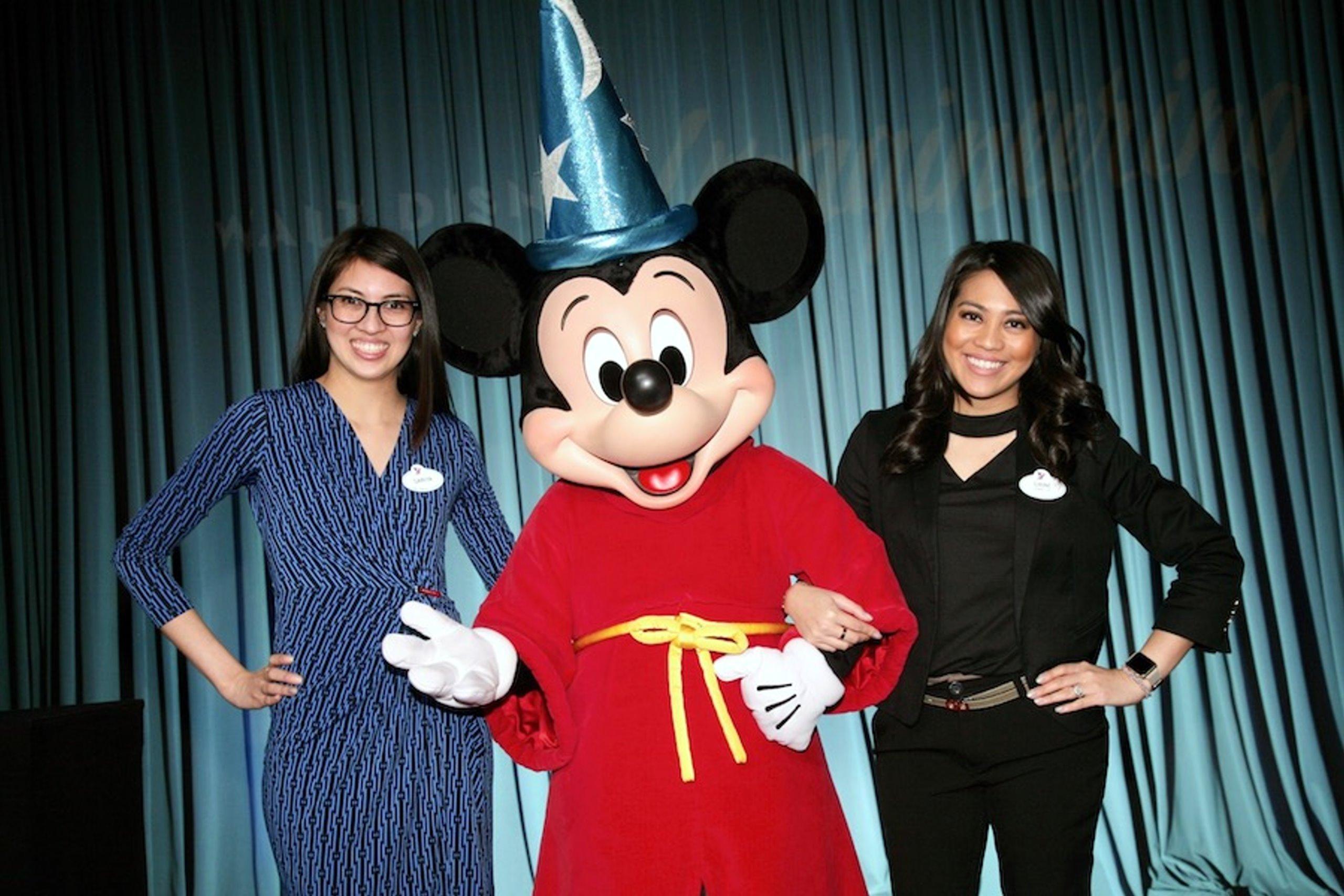 專欄系列報道:慶祝美國五月亞裔月——迪士尼夢想製造師姐妹從父親的事業中得到啟發