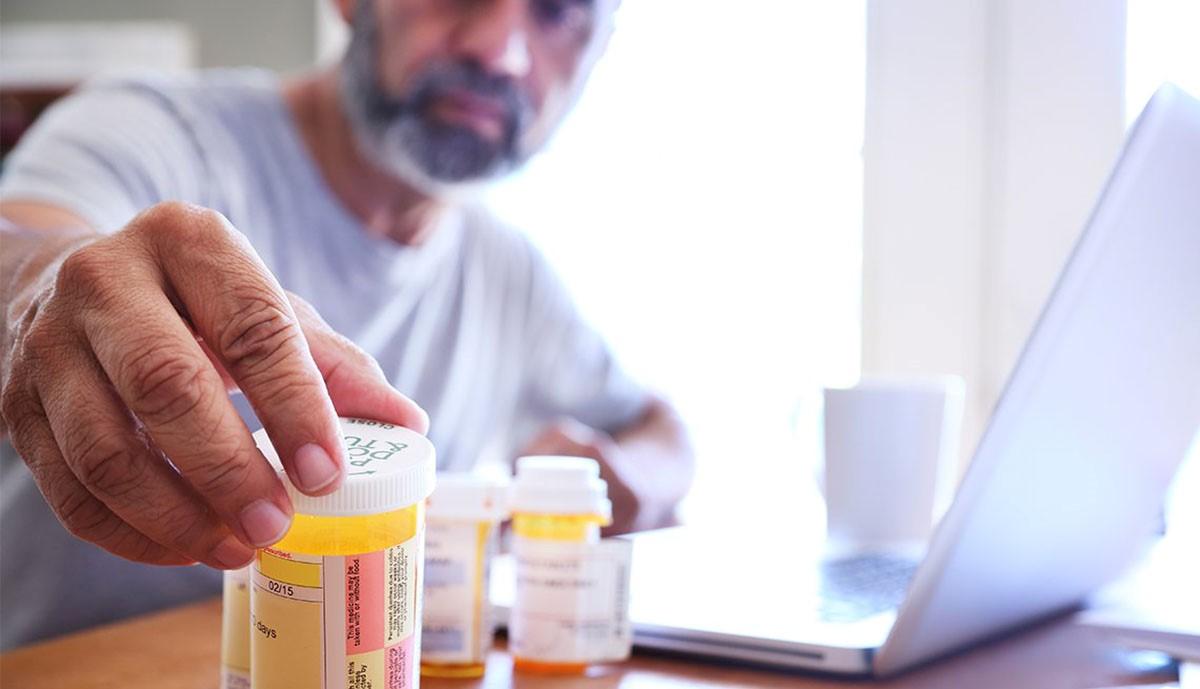AARP 樂齡會報告:疫情期間零售藥品價格持續上漲,速度高於通貨膨脹