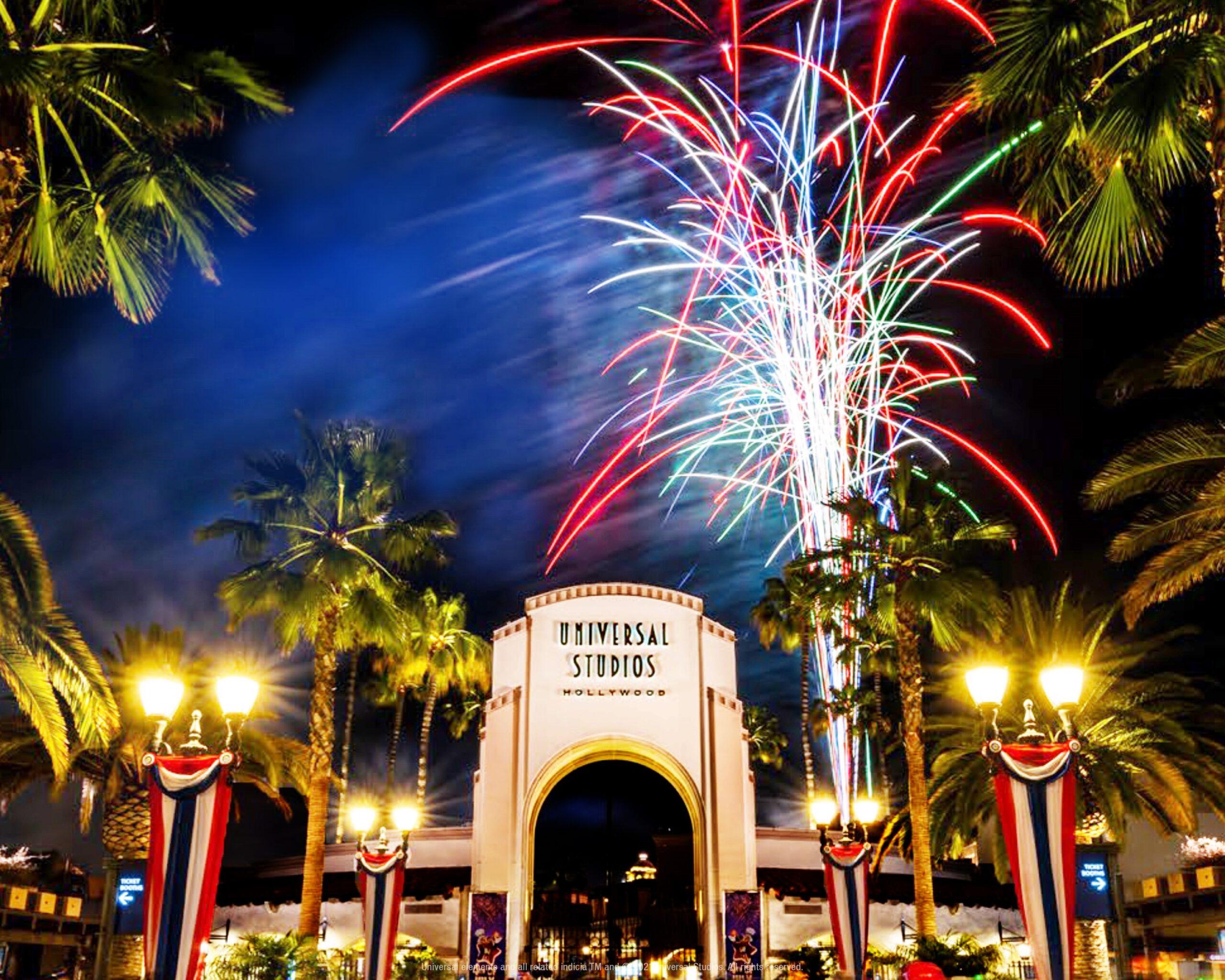好萊塢環球影城慶祝獨立日 炫目的7月4日煙花盛典!