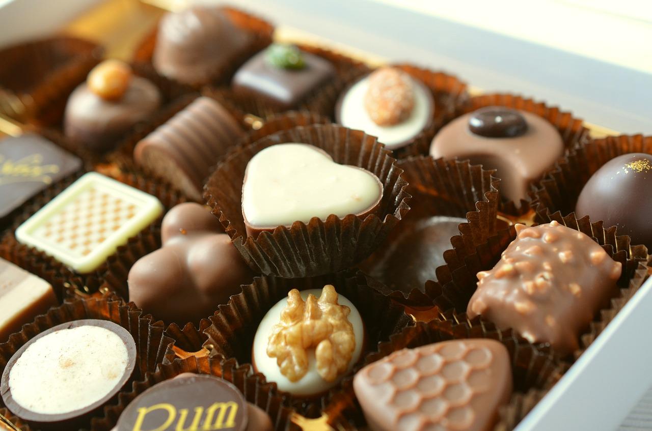 「食力」黑巧克力、白巧克力、牛奶巧克力差在哪?巧克力%數越高就越苦嗎?