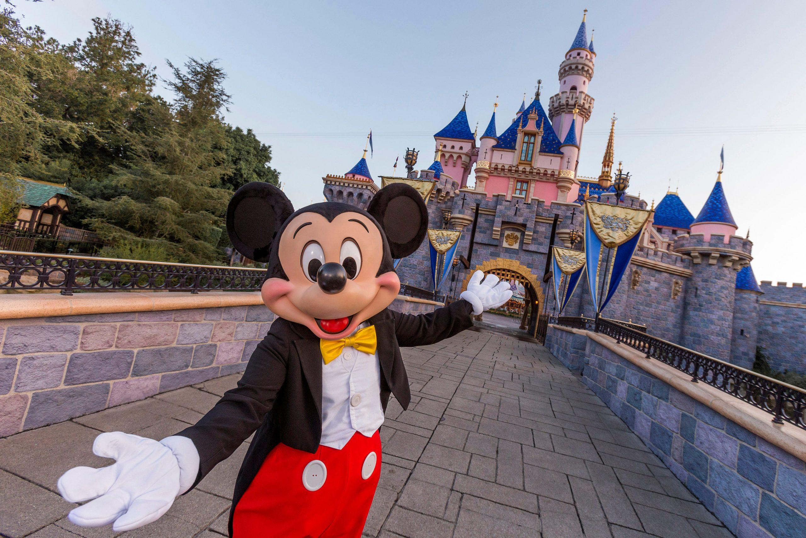 迪士尼樂園度假區宣佈為加州居民提供限時的夏季門票優惠,充滿主題公園樂趣的3天門票,每天低至83美元