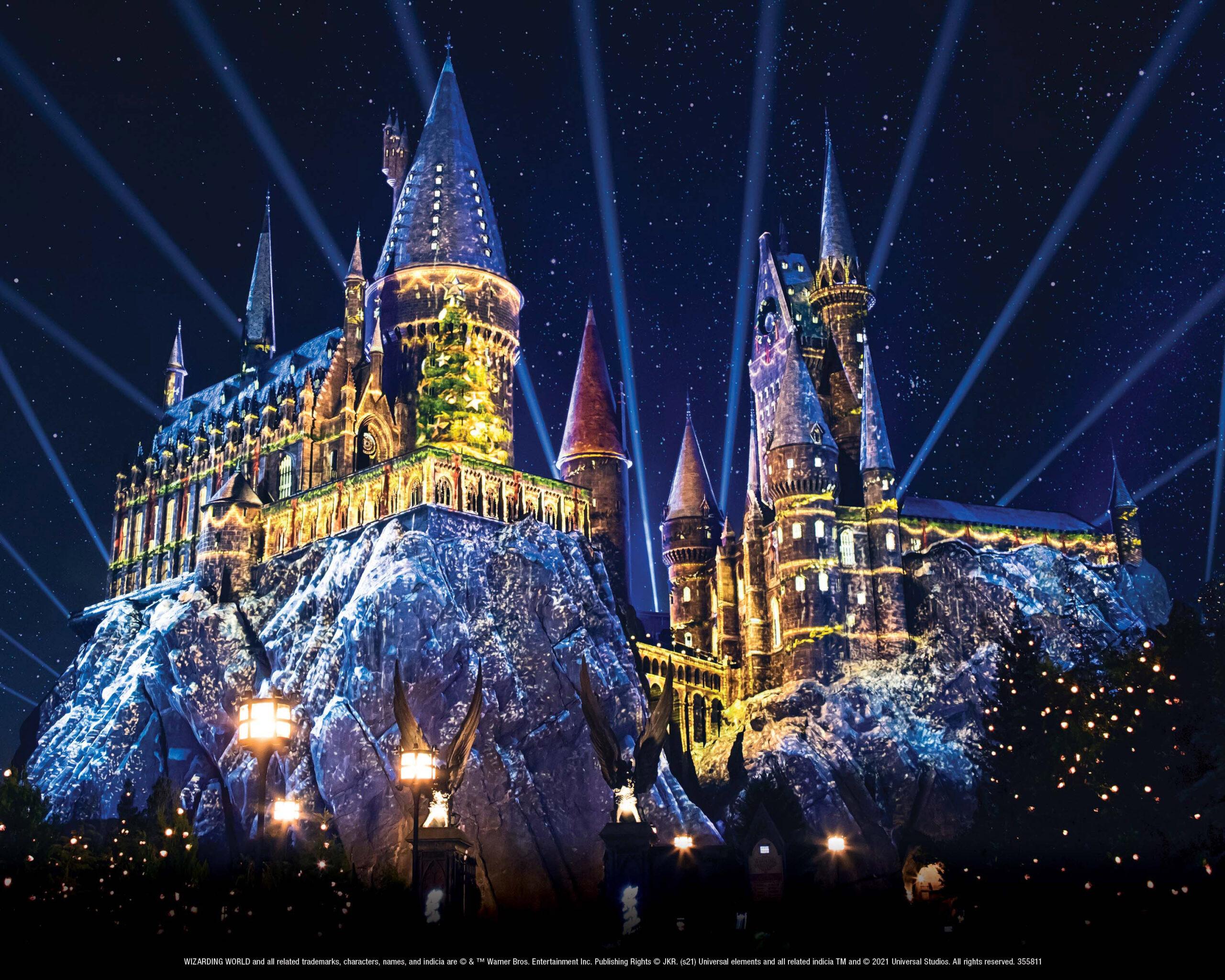 """好萊塢環球影城即將迎來 """"哈利波特魔法世界的聖誕節 """"和 """"鬼靈精怪的聖誕節 """",11月26日星期五至2022年1月2日星期日溫暖回歸"""